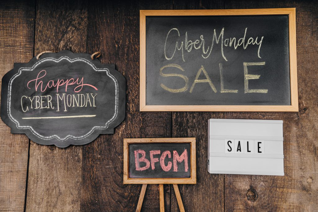 holiday-shopping-sale-signs